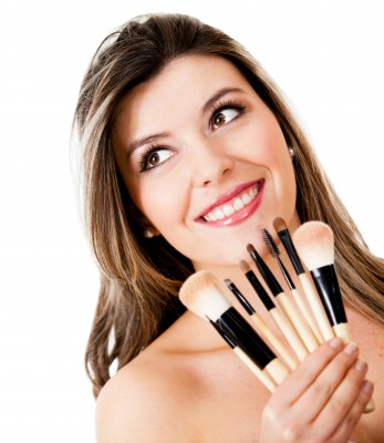 ChicBeautyTips.com:  What's With All The Makeup Brushes?
